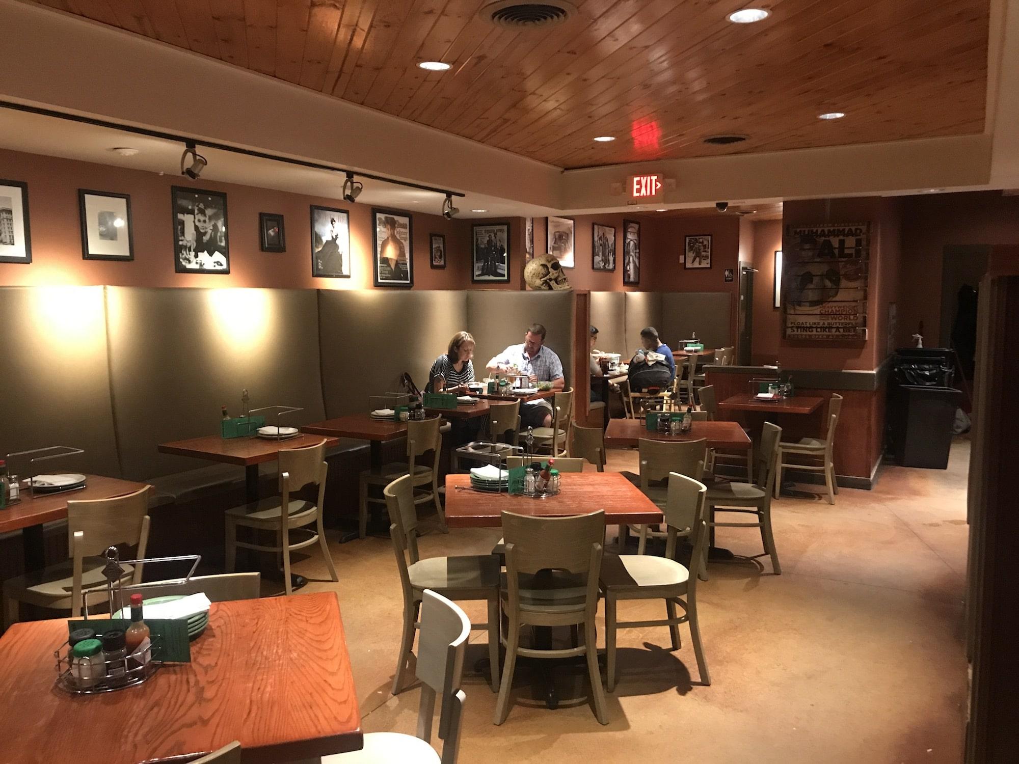 kaiser's pizza, kenosha pizza shop, bar & grill in kenosha