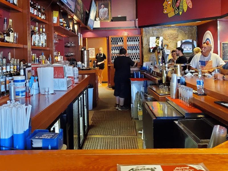 kaiser's of kenosha, kenosha bar & grill, bar & grill in kenosha