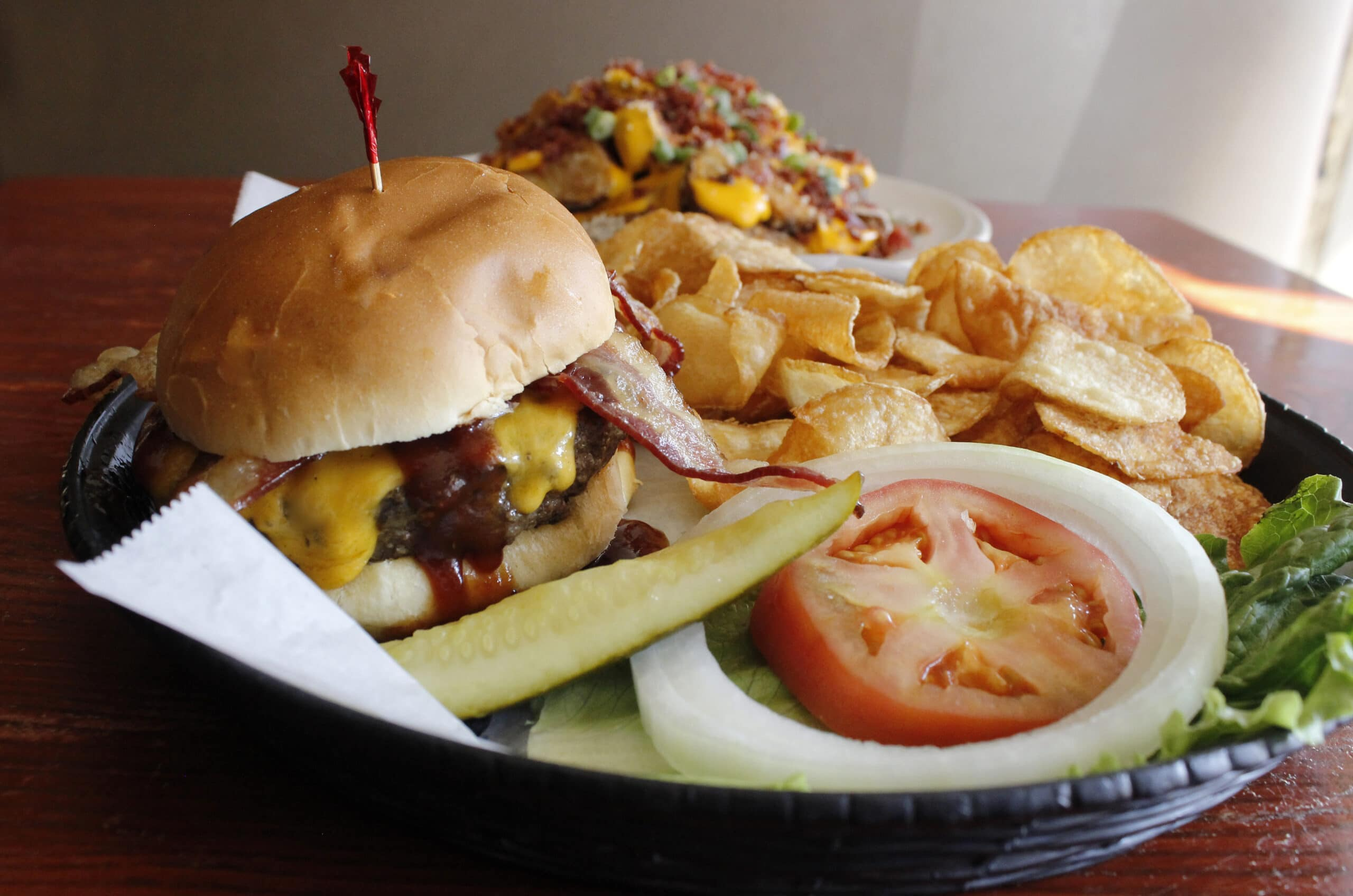 burgers in kenosha, kaiser's of kenosha, bar & grill in kenosha